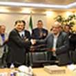 عقد قرارداد ساخت کارخانه تولید پودر آلومینا با حضورآقای دکتر اکبر ترکان، بین شرکت تهیه تولید مواد اولیه آلومینیوم آرمان رهاورد و فکور صنعت تهران همزمان با هفته دولت امضا شد.